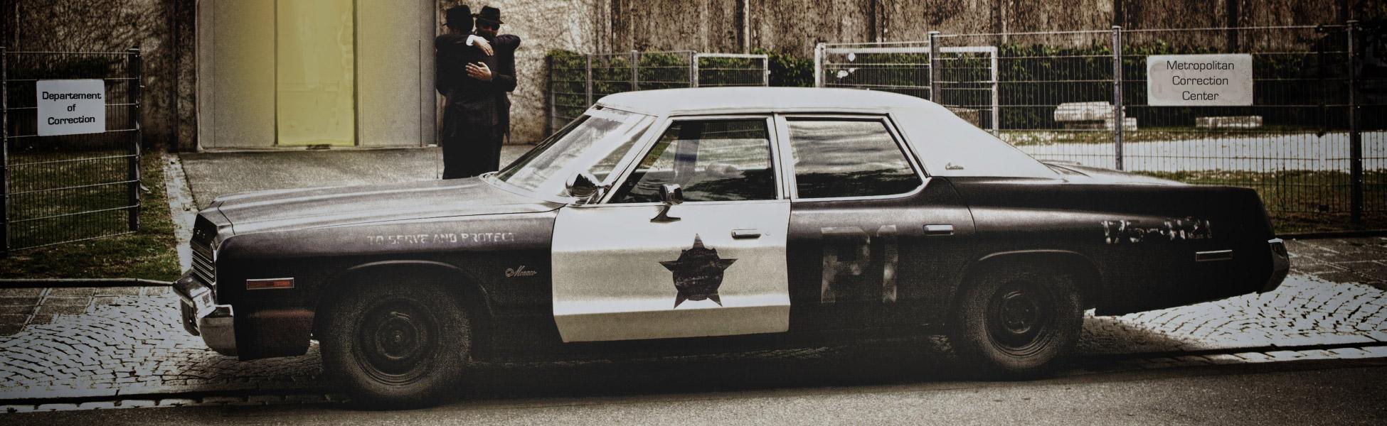 bluesmobile und us police cars mieten. Black Bedroom Furniture Sets. Home Design Ideas